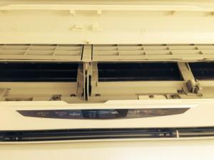 エアコンのハウスクリーニングを横浜市西区岡野にて【清掃事例7】
