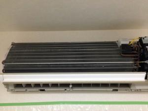 エアコンのハウスクリーニングを川崎市高津区久末にて【清掃事例12】