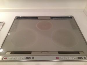 キッチンのハウスクリーニングを東京都港区三田にて【清掃事例13】