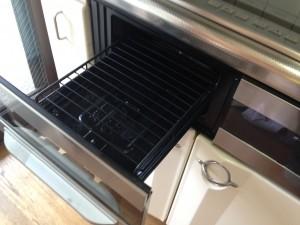 キッチン(グリル)のハウスクリーニングを横浜市港南区上大岡東にて【清掃事例5】