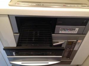 キッチン(グリル)のハウスクリーニングを横浜市西区浅間台にて【清掃事例28】