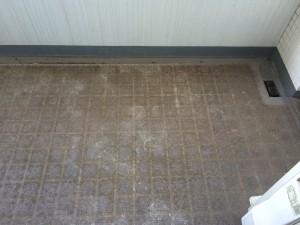 バルコニーのハウスクリーニングを川崎市幸区小倉にて【清掃事例55】