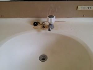 洗面所のハウスクリーニングを横浜市西区南軽井沢にて【清掃事例83】