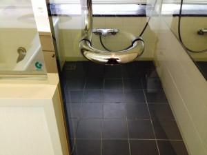 お風呂(浴室)のハウスクリーニングを横浜市西区みなとみらいにて【清掃事例94】