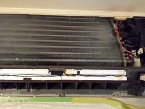 エアコンのハウスクリーニングを川崎市高津区新作にて【清掃事例127】