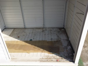 バルコニーのハウスクリーニングを川崎市中原区小杉町にて【清掃事例151】