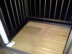バルコニーのハウスクリーニングを川崎市多摩区長沢にて【清掃事例195】