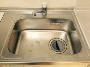 キッチン(シンク)のハウスクリーニングを横浜市西区みなとみらいにて【清掃事例217】
