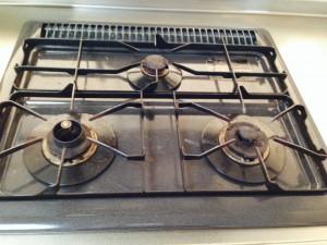 キッチンのハウスクリーニングを横浜市西区平沼にて【清掃事例244】