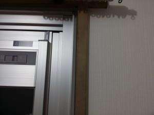 窓枠のハウスクリーニングを川崎市多摩区登戸にて【清掃事例302】