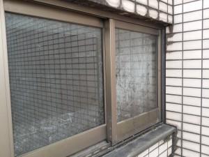 ガラスサッシのハウスクリーニングを横浜市都筑区新栄町にて【清掃事例388】