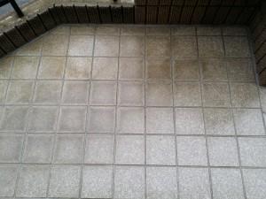 玄関ポーチのハウスクリーニングを川崎市多摩区宿河原にて【清掃事例386】