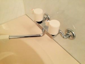 お風呂(浴室)のハウスクリーニングを横浜市中区弥生町にて【清掃事例367】