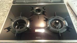 キッチン(五徳)のハウスクリーニングを川崎市高津区久地にて【清掃事例406】