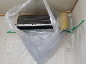 エアコンのハウスクリーニングを横浜市瀬谷区宮沢にて【清掃事例445】