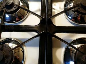 キッチン(五徳)のハウスクリーニングを川崎市高津区下野毛にて【清掃事例495】