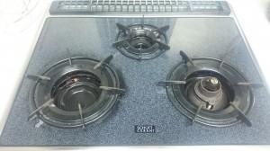 キッチン(五徳)のハウスクリーニングを川崎市高津区瀬田にて【清掃事例505】