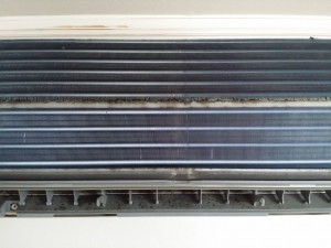 エアコンのハウスクリーニングを川崎市幸区新川崎にて【清掃事例551】
