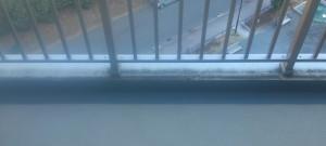バルコニーのハウスクリーニングを川崎市中原区大倉町にて【清掃事例578】