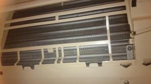 エアコンのハウスクリーニングを川崎市麻生区片平にて【清掃事例573】