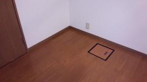 フローリング(床)のハウスクリーニングを川崎市川崎区小島町にて【清掃事例562】