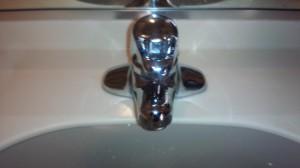洗面所のハウスクリーニングを川崎市川崎区浜町にて【清掃事例582】