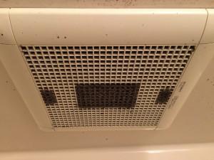 お風呂(浴室)のハウスクリーニングを川崎市川崎区小田栄にて【清掃事例818】