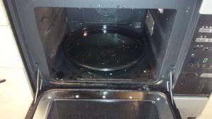 キッチンのハウスクリーニングを横浜市中区元浜町にて【清掃事例833】