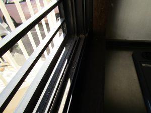 ガラスサッシのハウスクリーニングを川崎市高津区千年新町にて【清掃事例917】