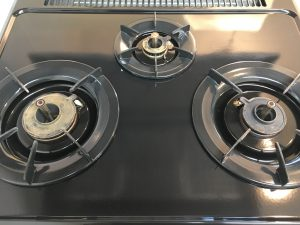 キッチン(五徳)のハウスクリーニングを川崎市中原区大倉町にて【清掃事例876】