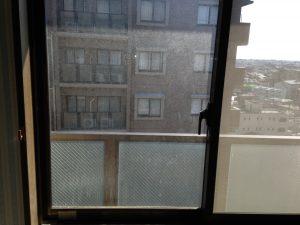 ガラスサッシのハウスクリーニングを川崎市高津区久地にて【清掃事例914】