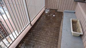 バルコニーのハウスクリーニングを川崎市中原区今井上町にて【清掃事例855】