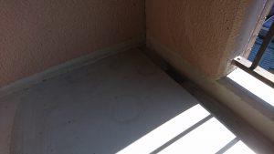 バルコニーのハウスクリーニングを川崎市中原区今井上町にて【清掃事例981】