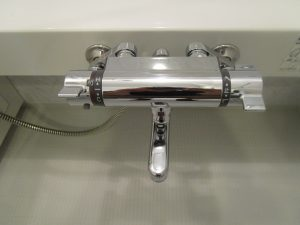 お風呂(浴室)のハウスクリーニングを川崎市宮前区馬絹にて【清掃事例1004】