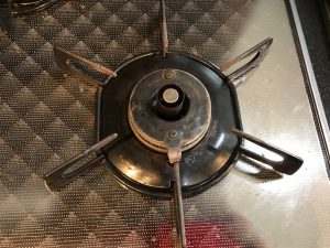 キッチン(五徳)のハウスクリーニングを川崎市多摩区長沢にて【清掃事例1023】