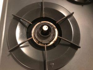 キッチン(五徳)のハウスクリーニングを横浜市金沢区昭和町にて【清掃事例1105】