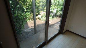 ガラスサッシのハウスクリーニングを川崎市幸区新明町にて【清掃事例1099】