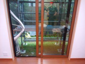 ガラスサッシのハウスクリーニングを横浜市青葉区さつきが丘にて【清掃事例1352】
