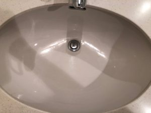 洗面所のハウスクリーニングを東京都港区白金台にて【清掃事例1376】