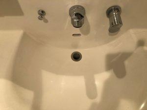 洗面所のハウスクリーニングを横浜市神奈川区東神奈川にて【清掃事例1396】