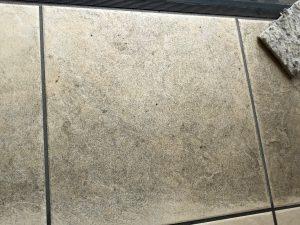 玄関のハウスクリーニングを横浜市泉区桂坂にて【清掃事例1383】