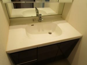 洗面所のハウスクリーニングを川崎市高津区明津にて【清掃事例1358】