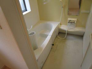 お風呂(浴室)のハウスクリーニングを東京都中央区明石町にて【清掃事例1379】