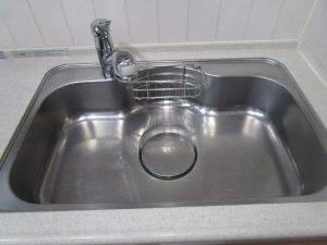 キッチン(シンク)のハウスクリーニングを横浜市神奈川区青木町にて【清掃事例1366】