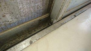 ガラスサッシのハウスクリーニングを川崎市中原区宮内にて【清掃事例1441】