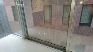 ガラスサッシのハウスクリーニングを川崎市中原区宮内にて【清掃事例1440】