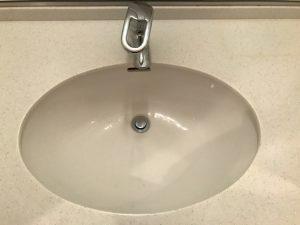 洗面所のハウスクリーニングを川崎市宮前区宮前平にて【清掃事例1447】