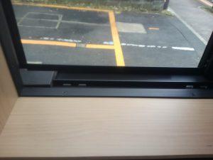 ガラスサッシのハウスクリーニングを川崎市宮前区小台にて【清掃事例1473】