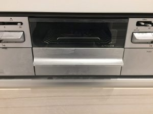 キッチン(グリル)のハウスクリーニングを川崎市高津区諏訪にて【清掃事例1504】