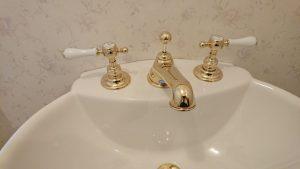 洗面所(蛇口)のハウスクリーニングを川崎市川崎砂子にて【清掃事例1549】